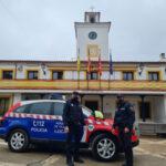 La Policía Local de Perales de Tajuña cuenta ya con un desfibrilador portátil en el coche patrulla