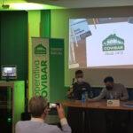 Presentación de 'Radio Covibar', en el Centro Social Armando Rodríguez Vallina