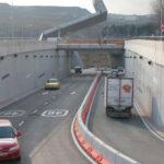 El túnel de salida a la A-3 de la avenida de los Almendros, cortado del lunes al jueves
